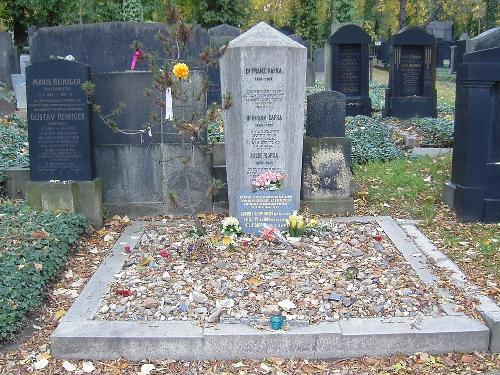 Mormantul lui Franz Kafka